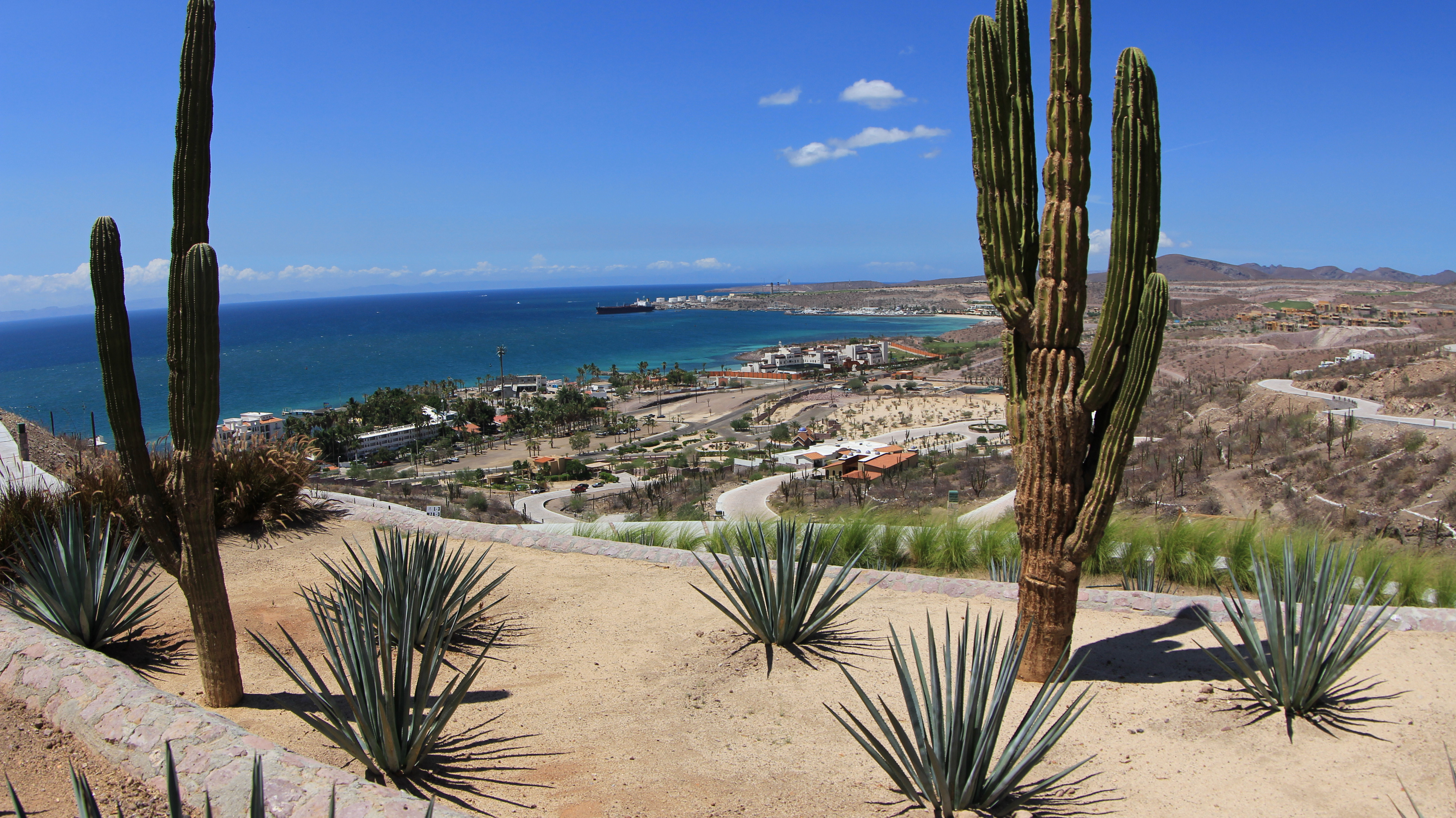 Overlooking Pedregal, La Paz